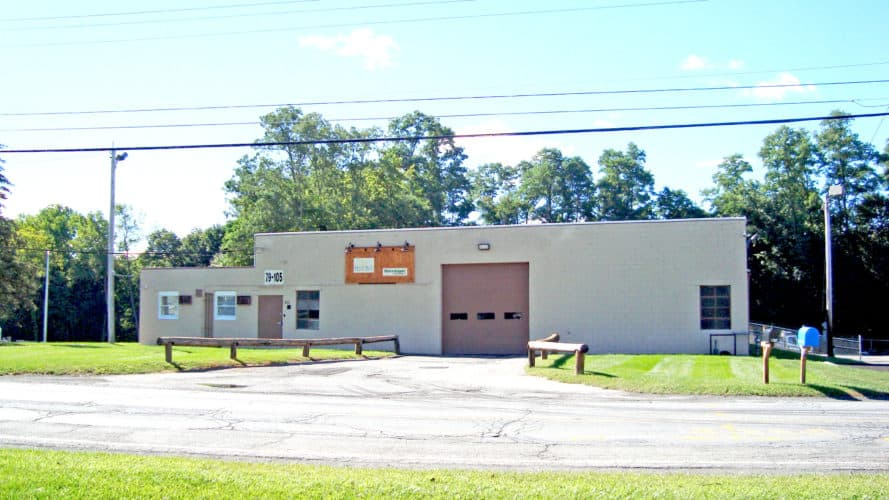 Warehouse space with drive in doorr close to I-87